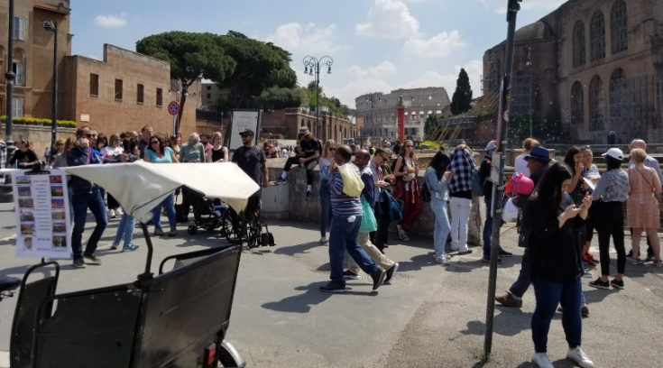 photo of long ticket line in Rome