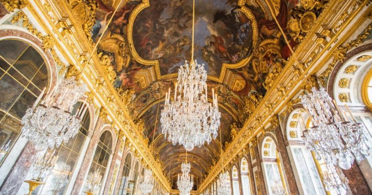 5 Paris Attractions Not to Miss - picture of inside Palace of Versailles